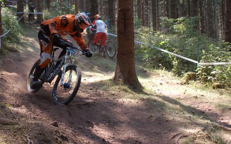 Voll am Limit beim Downhill Ilmenau 2010